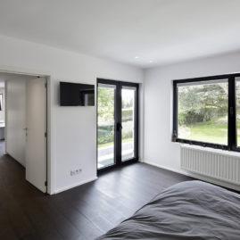 Genval, master bedroom, dressing and en suite bathroom